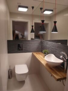 modern bathrom white and grey