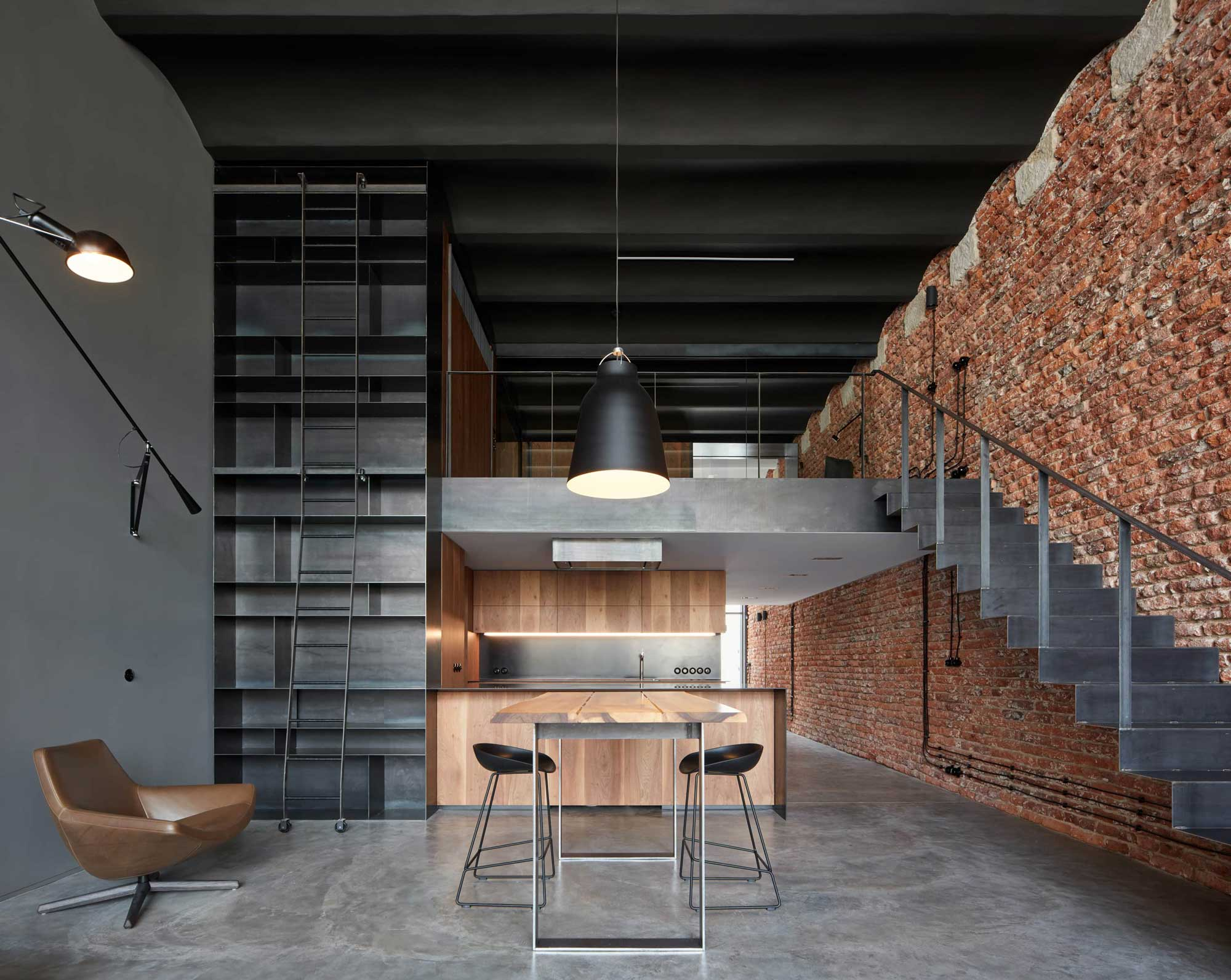 How to create an industrial house in a few steps